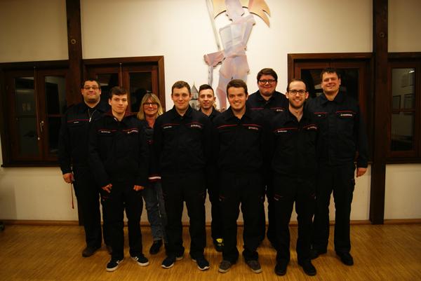 Foto: Das Ausbilderteam der Feuerwehr Renchen mit Jugendfeuerwehrwart Christian Bär (links)